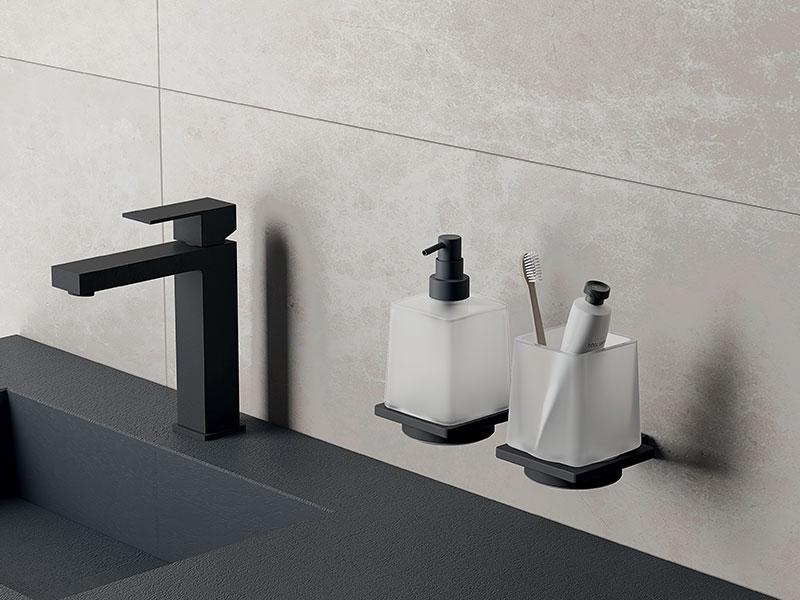 Accessori per il bagno inda carboni casa - Asciugamani bagno firmati ...
